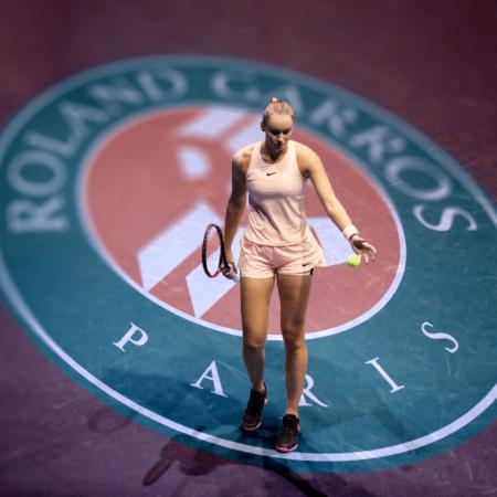 Рыбакина уступила в четвертьфинале Павлюченковой, но еще поборется за «Ролан Гаррос» в парном разряде
