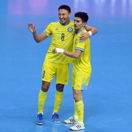 Разгромили Литву и вышли в плей-офф: сборная Казахстана отжигает на WC-2021 по футзалу